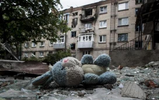 Когда взрывы, я выключаю слуховой аппарат: дети о войне на Донбассе