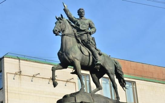 Неинтересный город:  у Киева не получается расстаться с коммунизмом