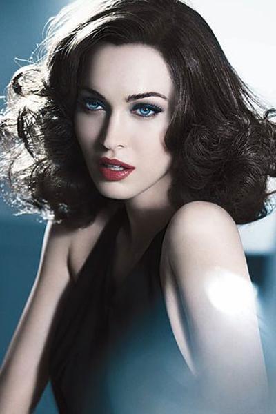 Меган Фокс представила косметику Armani