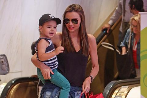 Миранда Керр c сыном Флинном на шопинге в Нью-Йорке