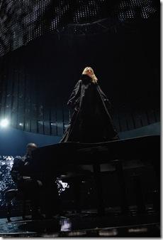Мадонна показала пиджак от Givenchy