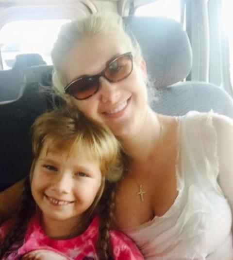 Катя Бужинская увезла дочь на ПМЖ в другую страну