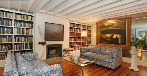 Хлое Севиньи продает дом в Нью-Йорке