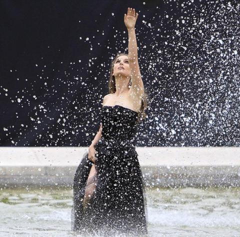 Натали Портман вновь стала лицом Miss Dior