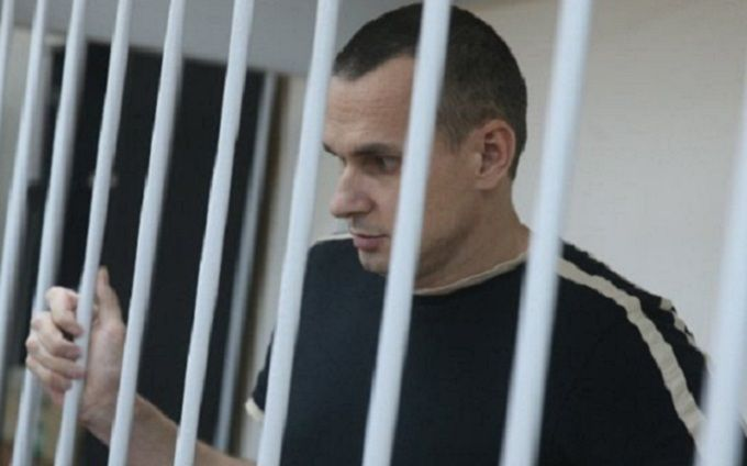 Адвокат: у Сенцова из-за голодовки случился третий кризис