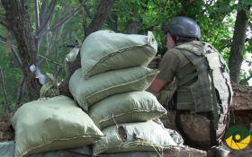 Морпіхи дають відсіч бойовикам ДНР: з'явилося відео із передової