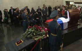 В России хоронят Чуркина: в Украине показали фото с намеком