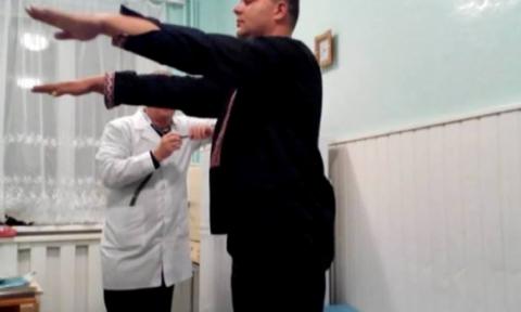 П'яний начальник митного поста намагався прорвати блокаду Криму на позашляховику (фото) (3)