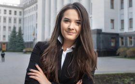 Новая молодая замминистра взбудоражила соцсети: появились фото