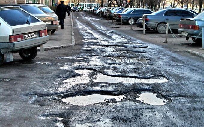Земля не приймає: у Росії дали дивне пояснення проблем із дорогами