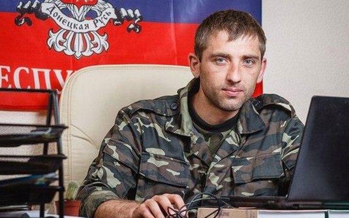 """""""Депутат"""" ДНР зізнався, що бойовики тримають його силою: з'явилося смішне фото"""