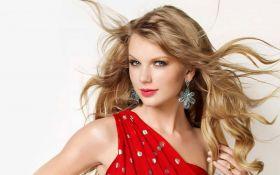 Знаменитая певицаходит в тренажерный зал с сумкой за 2290 долларов: появились фото