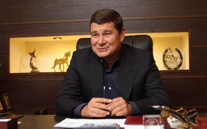 Стали відомі незвичайні подробиці про помічників депутата Онищенко