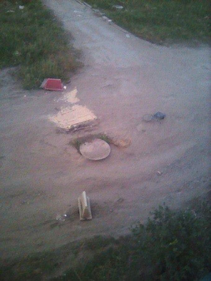 У Росії діти полагодили дорогу, над якою влада билася три роки: з'явилися фото (1)