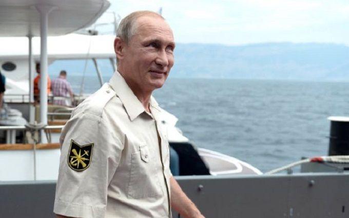 Путін прибув до окупованого Криму: стали відомі його плани