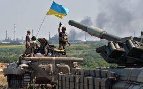На Донбассе продолжаются ожесточенные бои - среди украинских бойцов есть раненые