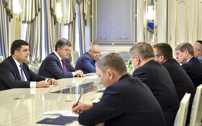 Порошенко повернувся до старих звичок: нова жорстка стаття The New York Times про Україну