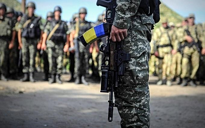 Обійшлося без втрат: у Порошенка назвали кількість поранених бійців АТО