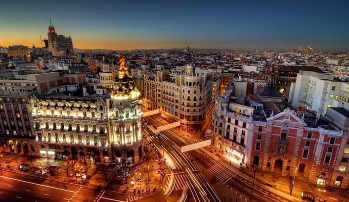 12 дворцов Мадрида можно посмотреть бесплатно