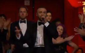 Знаменитый певец открыл церемонию премии Оскар-2017: появилось видео