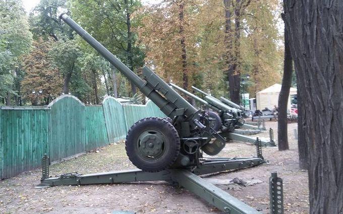 Киевлян в соцсетях взбудоражили загадочные взрывы