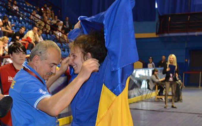 Українська самбістка ефектно перемогла росіянку в битві за золоту медаль