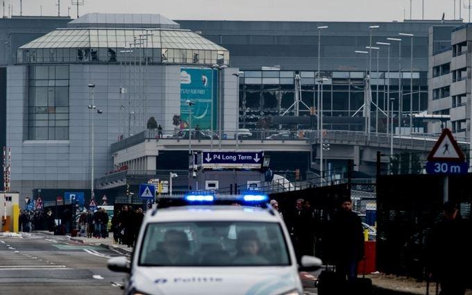 Скандальный журнал выпустил новую карикатуру на теракт в Брюсселе