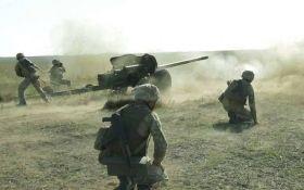 Бойовики атакують ЗСУ на Донбасі з важкої артилерії: серед українських захисників є поранені