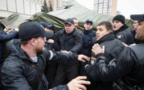 У Києві водії маршруток побилися з поліцейськими: з'явилися фото
