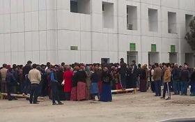 У Туркменістані влада незвично вирішила боротися з чергами: з'явилося відео