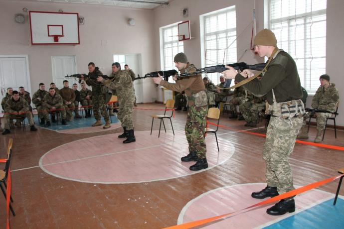 Британские инструкторы обучают морских пехотинцев командирского лидерства (6 фото)