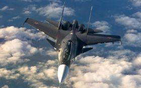 Військовий літак ВПС Франції випадково скинув бомбу на завод