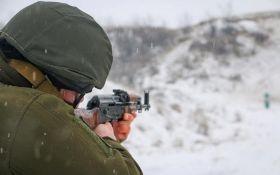 Бойовики поранили двох бійців ЗСУ на Донбасі: українські захисники жорстко відповіли ворогові