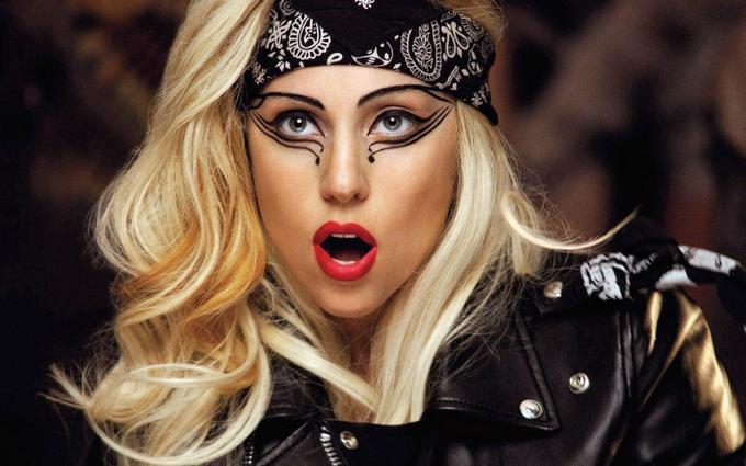 Леді Гага прокоментувала розставання із зоряним нареченим: опубліковано фото
