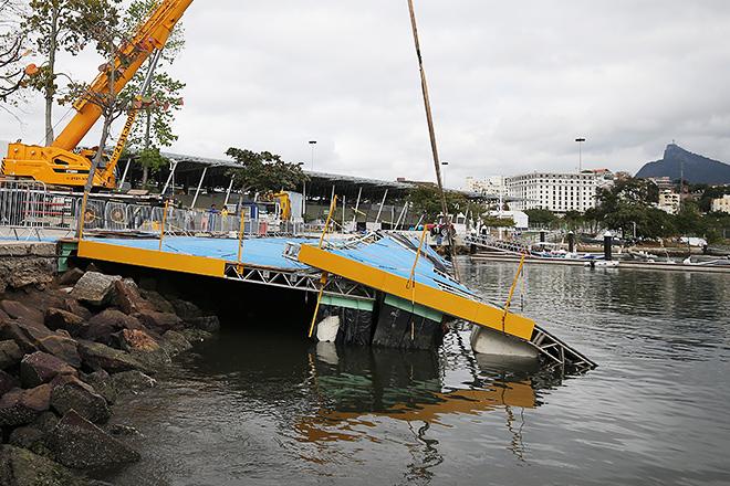 У Ріо-де-Жанейро обрушилася олімпійська конструкція: опубліковано фото (1)