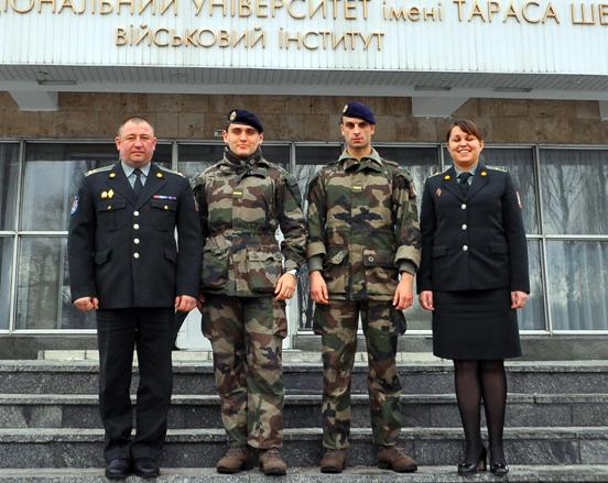 Французские курсанты проходят стажировку в ВИКНУ
