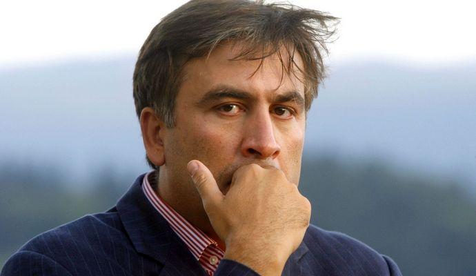 Саакашвили разозлился из-за своей зарплаты