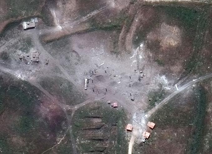 Мощный ракетный удар по Сирии: появились зрелищные фото последствий (4)