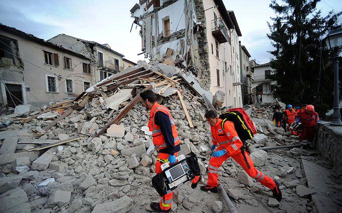 В Італії зростає число жертв страшного землетрусу: з'явилися нові відео