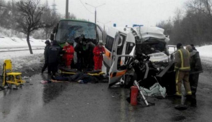 Четыре человека погибли в результате ДТП в Харькове