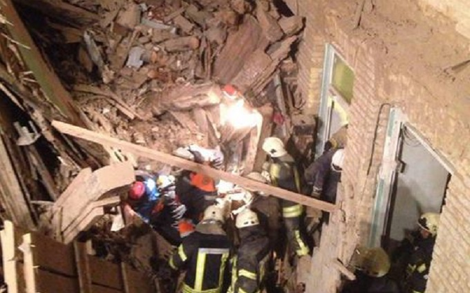 Из-под завала дома на ул. Хмельницкого спасли шестерых человек