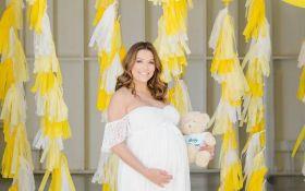 Єва Лонгорія зворушила новими ніжними фото з новонародженим сином