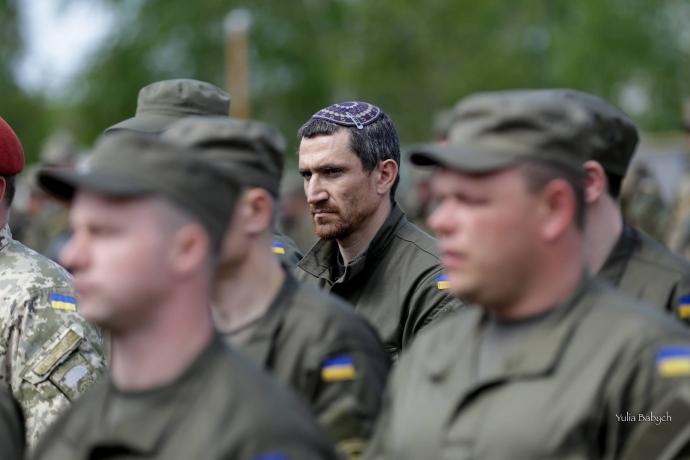 Если Украина хочет хороших военных, нужно обещать им не только флаг и гроб - Цви Ариэли (1)