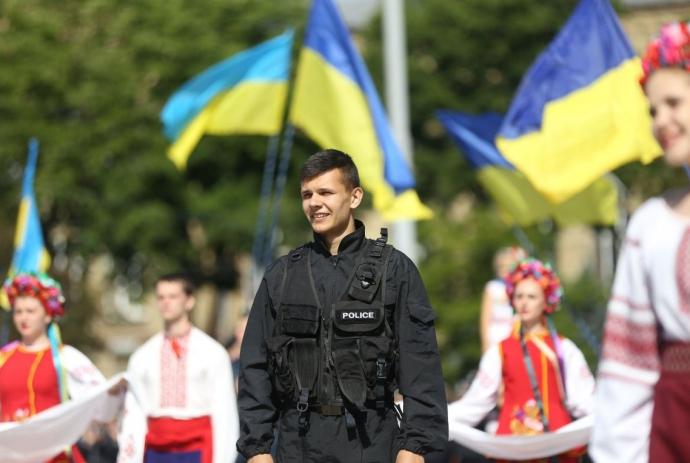 Аваков виклав яскраві фото перших поліцейських-випускників Академії МВС (1)