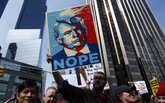 Трамп отреагировал намарши протеста против его политики