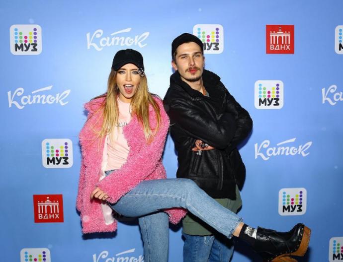 Краща українська поп-група розважала росіян на Масляну: опубліковані фото і відео (1)