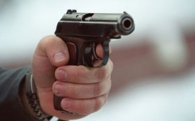 Возле Святошинского суда произошла стрельба, есть раненый