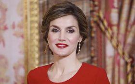"""""""Ідеальна жінка"""": королева Іспанії вразила публіку неперевершеним образом"""