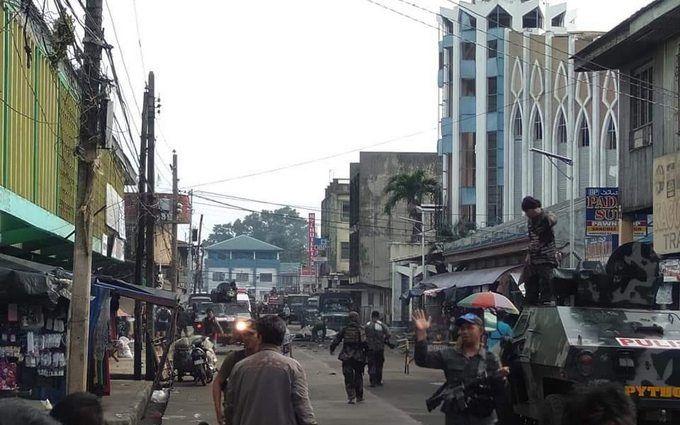 У католицькій церкві на Філіппінах стався подвійний теракт, десятки загиблих: моторошні фото