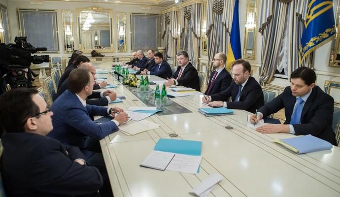 Порошенко хочет наказать сбежавших в РФ и ответственных за жертвы Майдана